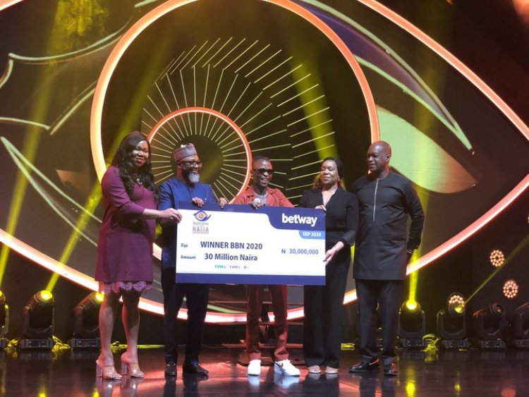 BBNaija 2020: Laycon Receives N30 Million Cheque And Other Prizes
