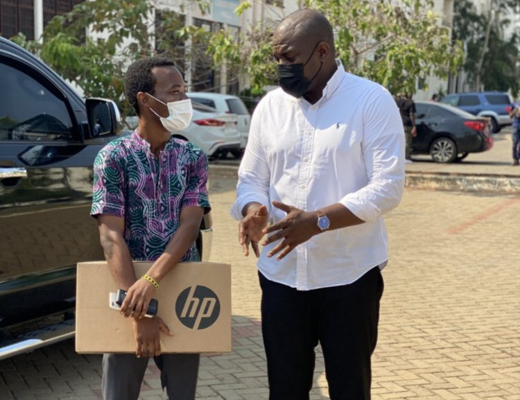 John Dumelo Donates to a University of Ghana student In need