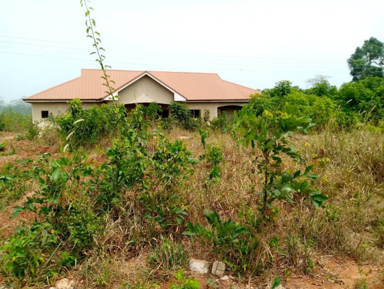 Mehame Clinic left to rot in the bush after Commissioning