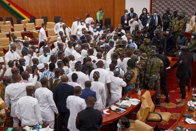 House of chiefs tell majority and minority to calm down