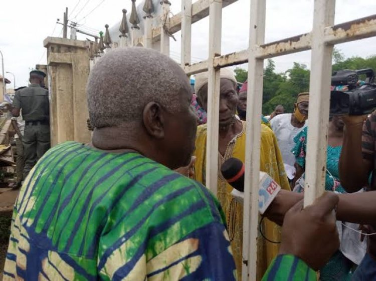 Security Agents Lock Out Protesting Ogun Pensioners