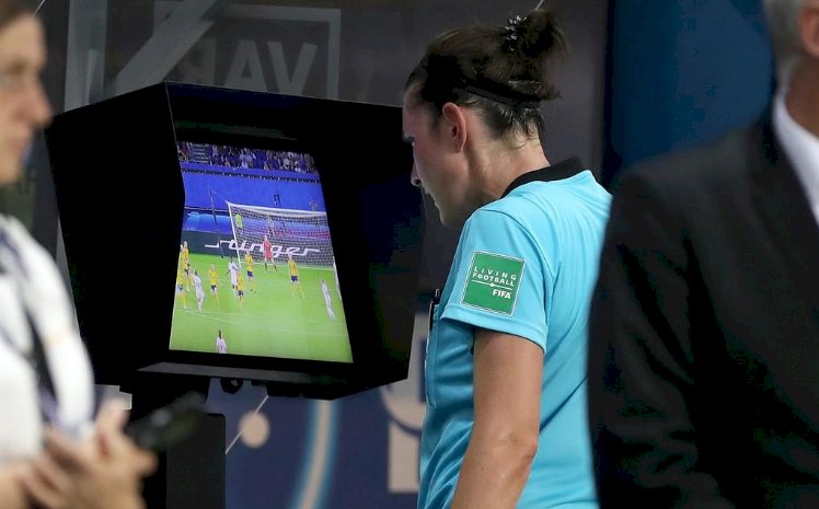 VAR to be employed in the Europa League knock stage