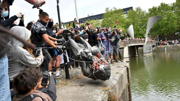 'Get Rid of Them': A Statue Falls as Britain Confronts Its Racist History